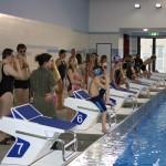 Wiedereröffnung der sanierten Schwimmhalle Diesdorf mit Schwimmstaffel aus Schülern und Stadträten