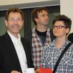 Fraktionsvorsitzender Hans-Dieter Bromberg im Gespräch mit Grit Merker vom Vorstand des LSVD Sachsen-Anhalt
