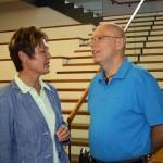 Stadtratsvorsitzende Beate Wübbenhorst (SPD) und Martin Pfarr (LSVD)
