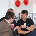 Im Gespräch: Stadtrat Sven Nordmann (rechts) mit dem Beigeordeten für Finanzen der LH Magdeburg Klaus Zimmermann