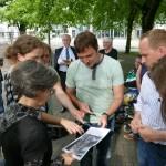 Im Gespräch v.l.n.r.: Frau Schmidt (Geschäftsstraßenmanagerin), Frau Grosche (Stadtplanungsamt), Stadtrat Marko Ehlebe und Stadtrat Dr. Falko Grube