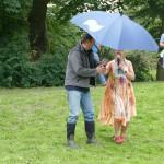 Stadtrat Jens Hitzeroth als Organisator bekam auch einen Schirm